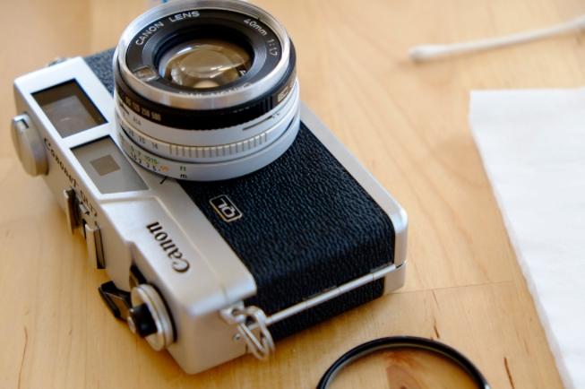 Cara Membersihkan Lensa Kamera Analog