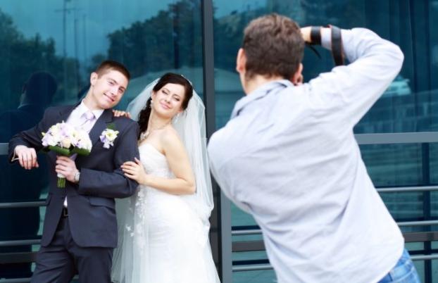 Lensa Terbaik Untuk Foto Wedding