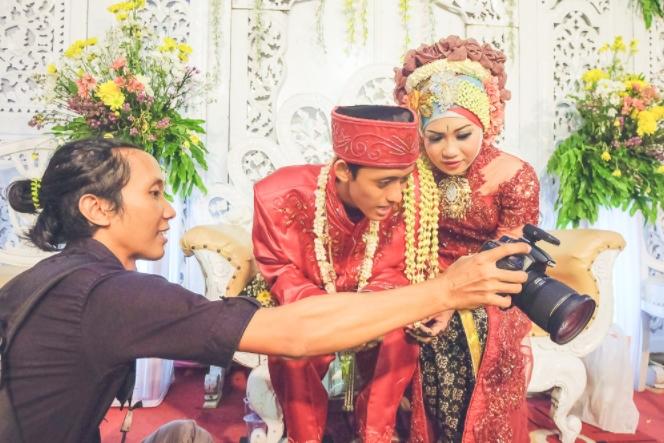 Lensa Terbaik Untuk Foto Pernikahan